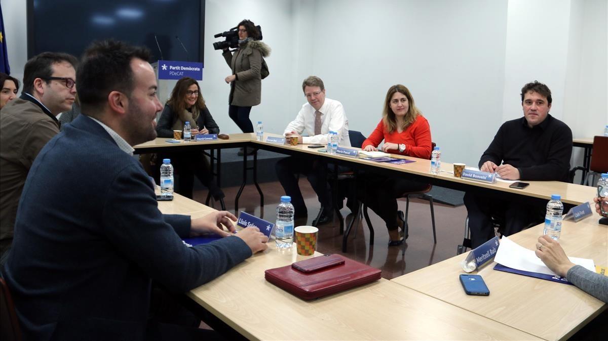 Marta Pascal preside la reunión de la ejecutiva del PDECat