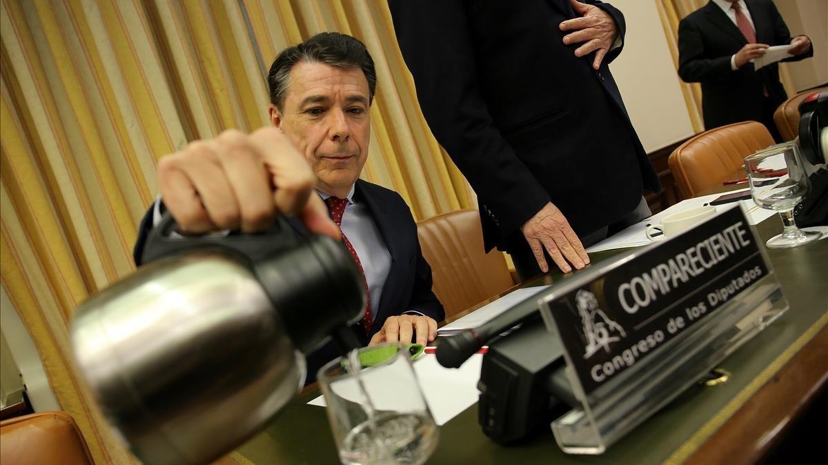 El expresidente de la Comunidad de Madrid Ignacio González en la comisión de investigación sobre la presunta financiación irregular del PP en el Congreso.
