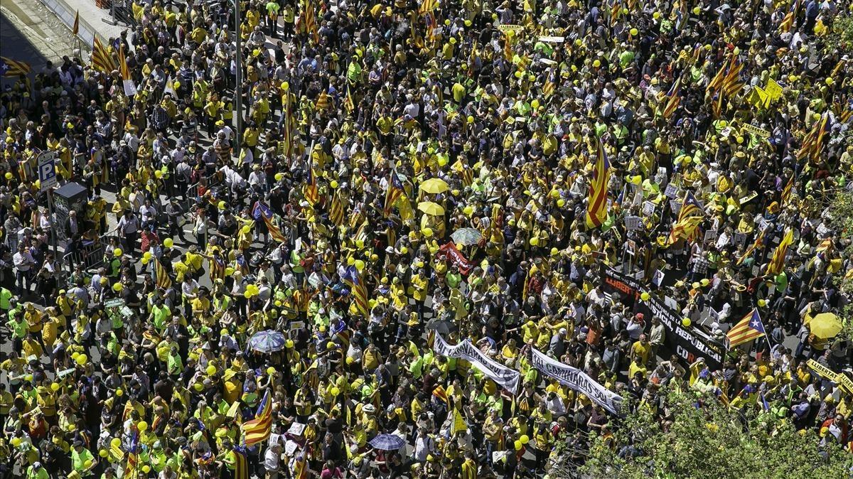 zentauroepp42944179 barcelona 15 04 2018 partidos soberanistas y entidades soc180415174709