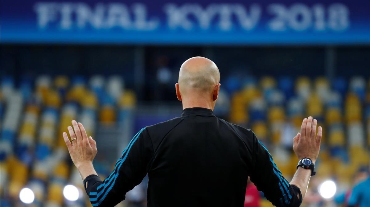 El entrenador francés, la víspera de la final contra el Liverpool en Kiev.