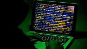 Una conferència sobre ciberdelictes de comandaments policials piratejada per 'hackers' per projectar pornografia infantil