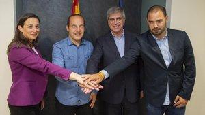 Lluís Cortés (camisa azul), con Maria Teixidor, Jordi Mestre y Markel Zubizarreta.