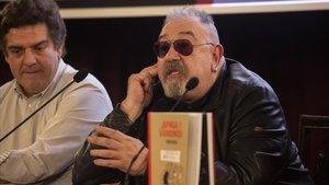 El dibujante Tom Roca, en la presentación de su libro '¡Apaga y vámonos!' en el Cercle Artístic de Barcelona.