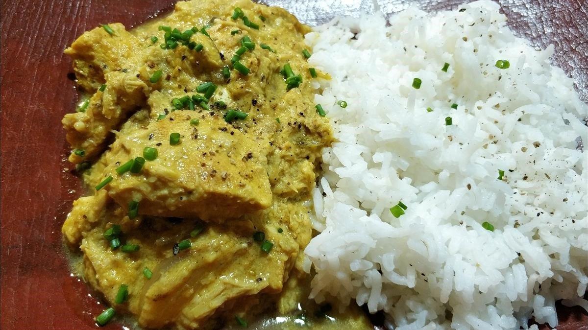 Curri de pollo (con alternativas): foto hecha en la cocina de casa.