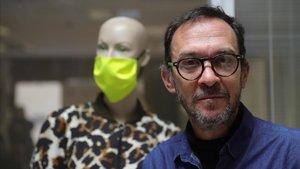 El diseñador Ulises Mérida, en su taller de Madrid.