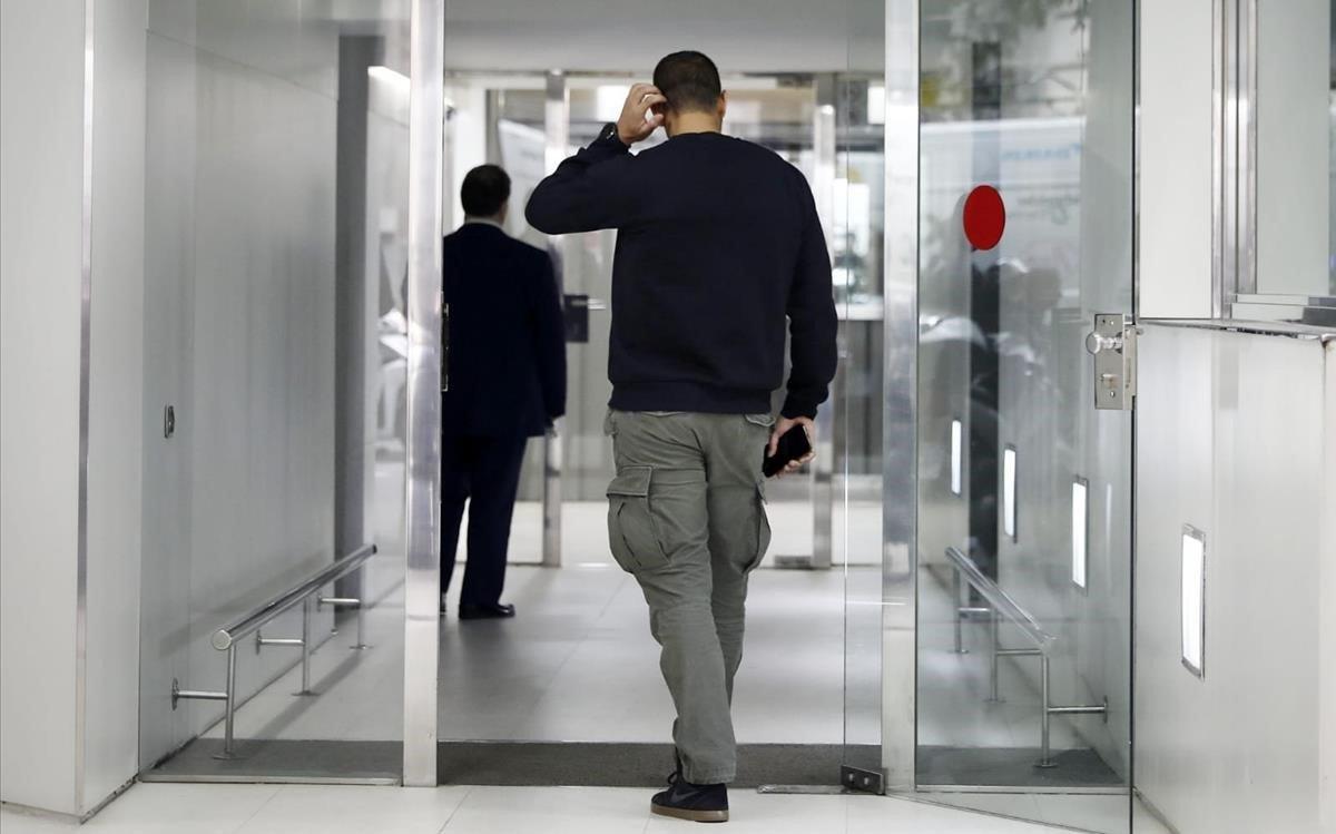 La Policía registra la sede de la Associació Catalana de Municipis