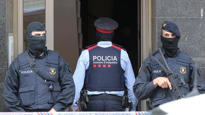 Los Mossos detienen a una presunta yihadista de 19 años en Terrassa
