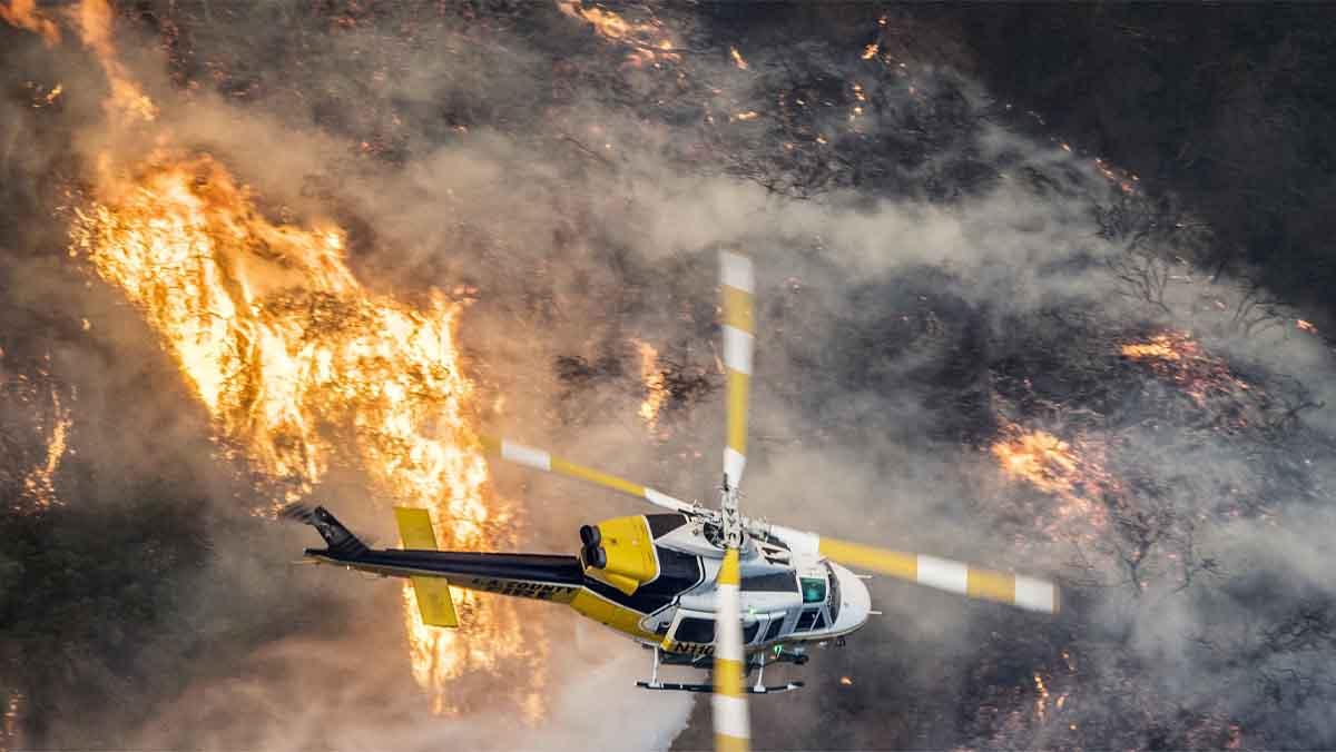 Els incendis de Califòrnia arriben fins a milionàries mansions de Bel Air
