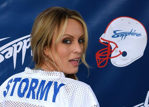 Stormy Daniels amenaza a Trump con su 'vestido Monica Lewinsky'