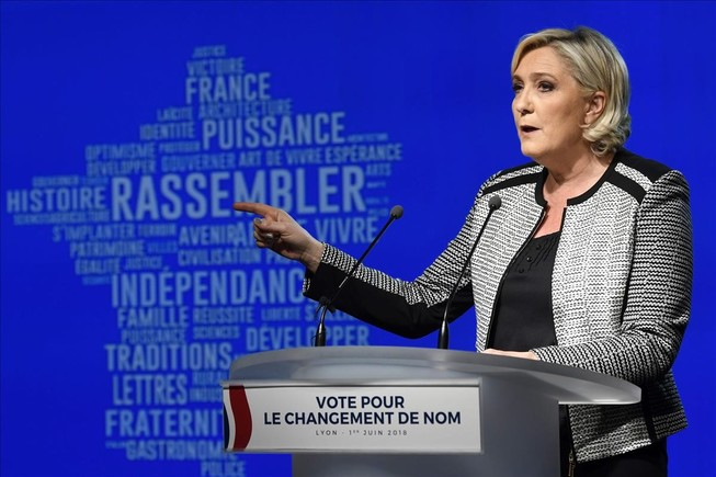 Marine Le Pen deberá devolver 300.000 euros al Parlamento Europeo