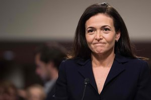 The Facebook board of directors backed the social network s number two executive Sheryl Sandberg  who is under fire for her role in pushing back against criticism of the social media giant  The board expressed support for Sandberg in a letter to Open Society Foundations    Photo by Jim WATSON   AFP