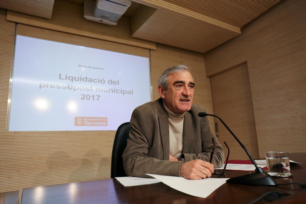 El alcalde de Terrassa, Alfredo Vega, presenta la liquidación de los presupuestos de 2017.