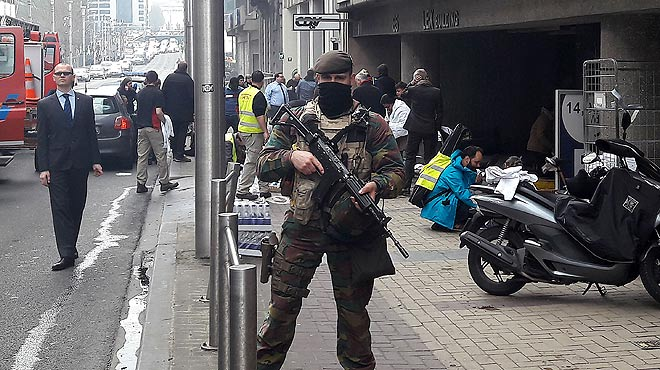 Ascienden a 20 los fallecidos en el atentado en el metro de Bruselas.