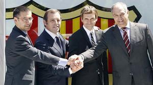 Bartomeu, Rosell, Tito y Zubizarreta, el 15 de junio del 2012, dia de la presentación oficial de Vilanova como entrenador azulgrana.