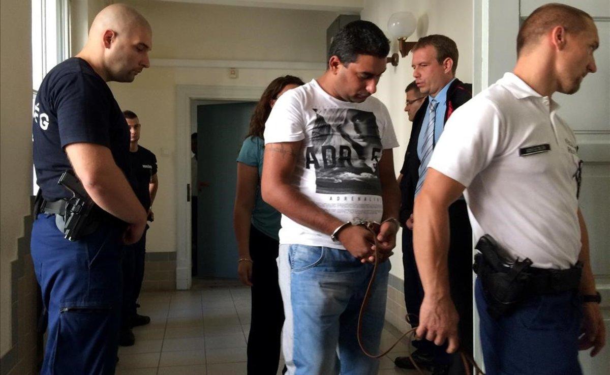 Cadena perpetua definitiva contra el líder afgano de una red de tráfico de personas y tres cómplices búlgaros.