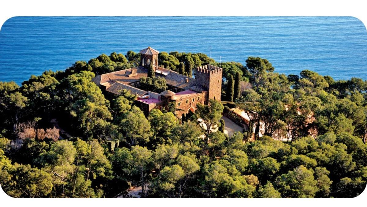 Imagen aérea del castillo de Cap Roig, en la Costa Brava.