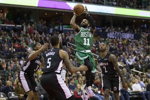 Kyrie Irving tuvo 38 tantos para los Celtics de Boston.