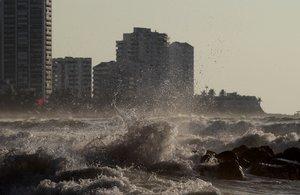 La marejada provocada por el paso del huracán Iota afecta en el sector turístico.