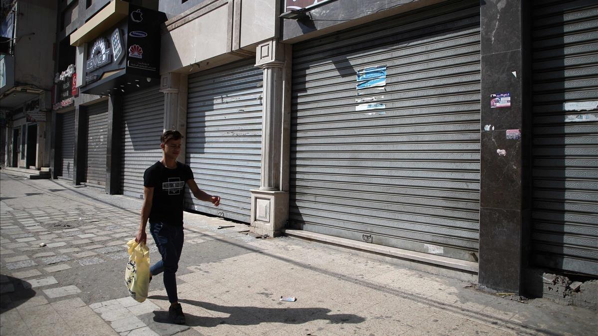 Comercios cerrados en la ciudad de Gaza en unahuelga general convocada en protesta por la inauguración de la embajada estadounidense en Jerusalén.