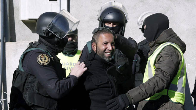 Dos detenidos en Catalunya por difundir mensajes yihadistas en la red
