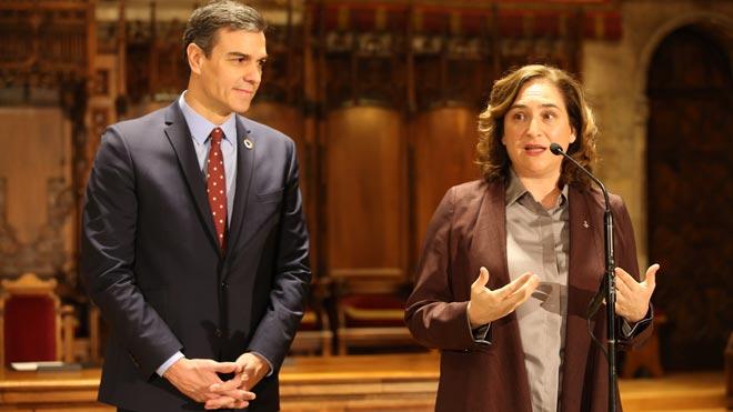 Declaraciones de Pedro Sánchez y Ada Colau tras su reunión en el Ayuntamiento de Barcelona.