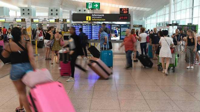 Desconvocada la huelga del personal de tierra de Iberia en el aeropuerto de Barcelona de este fin de semana.