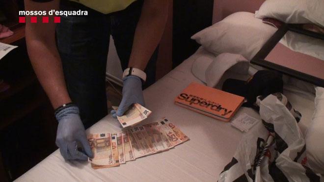 Detenida en Barcelona una banda que robaba pisos tras sustraer y duplicar las llaves.