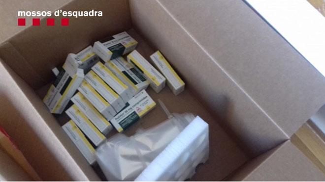 Detenido un hombre que robaba pastillas de una farmacéutica para venderlas por internet.