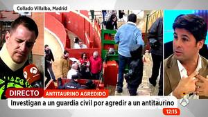 El diestro Fran Rivera (derecha) durante su rifirrafe con el antitaurino Óscar, este jueves.