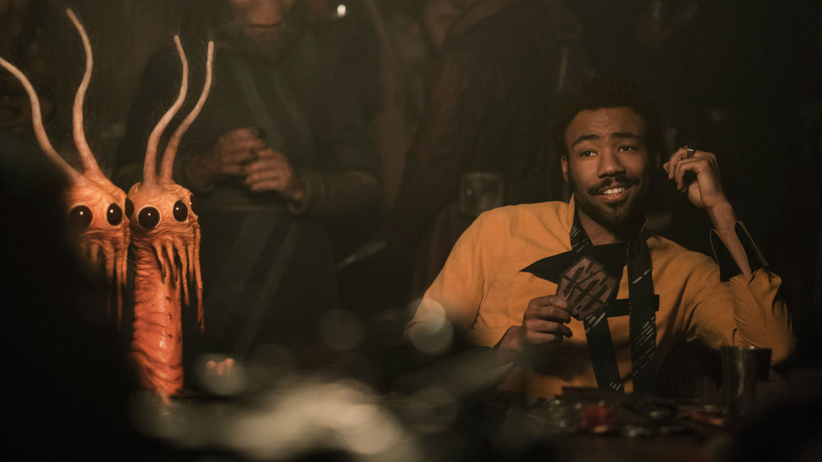 Donald Glover, como Lando Calrissian, en un fotograma de 'Han Solo: Una historia de Star Wars'