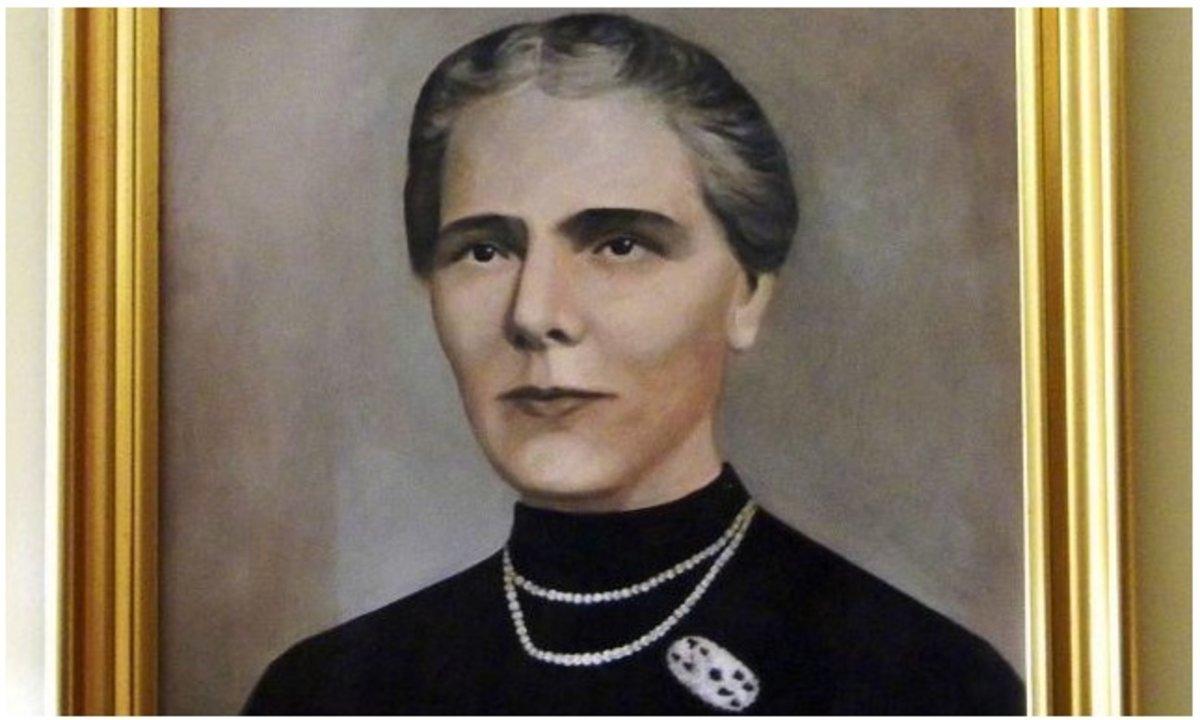 """Elisa Leonida Zamfirescu también se dedicó a la enseñanza de física y química en la Escuela para Niñas """"Pitar Mos"""" y en la Escuela de Electricistas y Mecánica."""