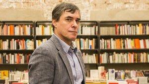 El escritor rumano Carlos Valbuena.