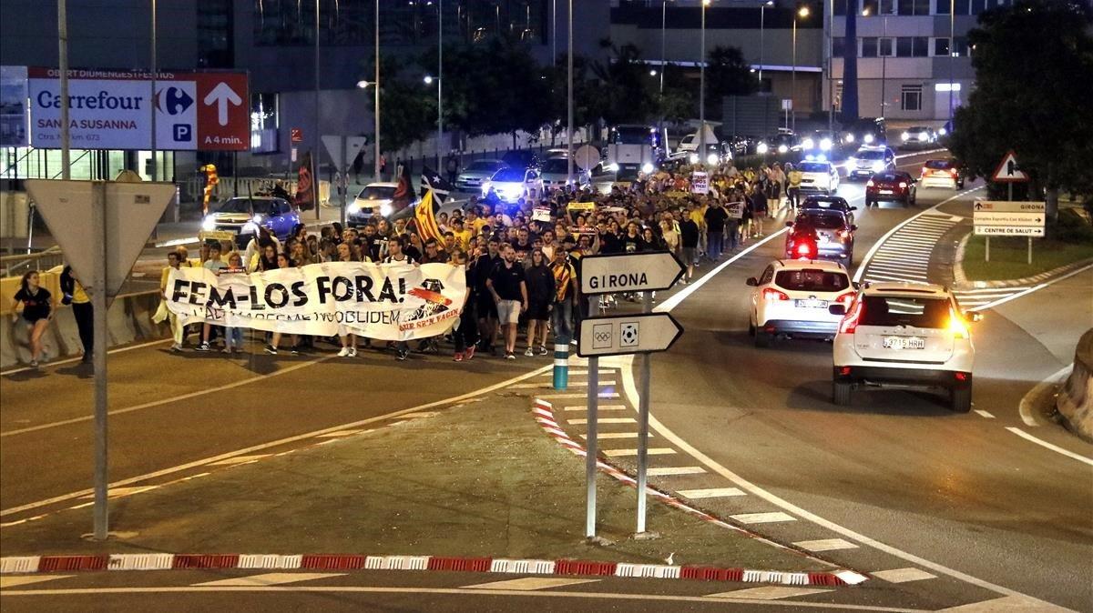 'Escrache' a la Guàrdia Civil a Calella un any després de les protestes per les càrregues de l'1-O