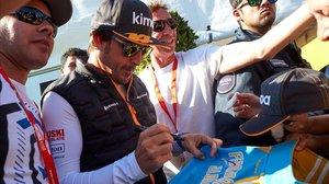 Fernando Alonso se ha pasado el día de hoy disfrutando de la F-1, en Montmeló, ya sin correr.