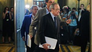Florentino Pérez, a su llegada al Parlament por el 'caso Castor'.