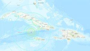 Fotograma del Servicio Geológico de EEUUque muestra el mapa interactivo de la incidencia de un terremoto de magnitud 7,7, este martes a 120 kilómetros del extremo noroeste de Jamaica y 80 kilómetros del sudeste de Cuba, con una profundidad de 10 kilómetros.