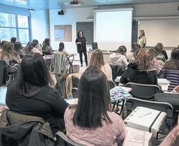 FUTUROS MAESTROS Clase de Educación Infantil en la Universitat de Lleida.