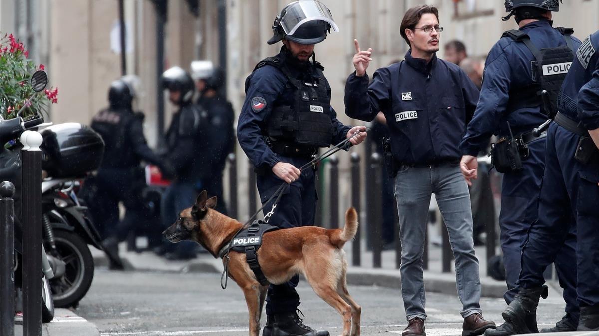 Dispositivo policial por la toma de rehenes en París, este martes 12 de junio