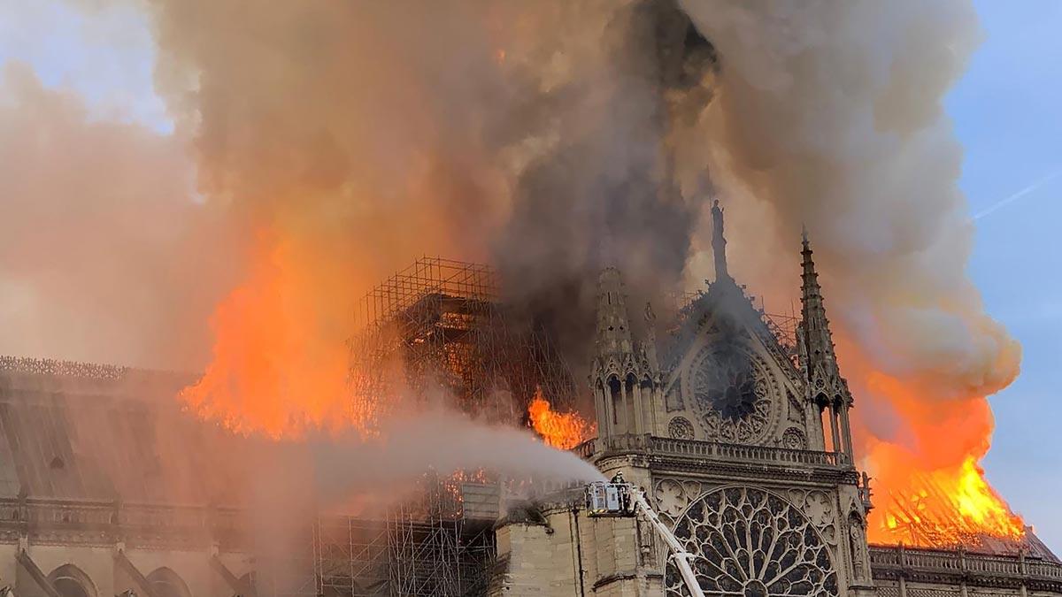 Incendio en la catedral de Notre Dame, en París