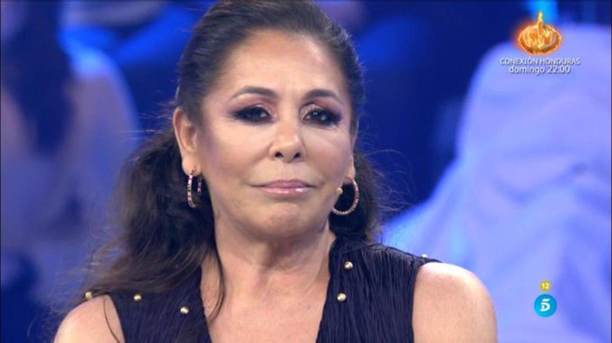"""Isabel Pantoja se emociona al hablar de su madre y revive 'Supervivientes': """"El maletín era mío"""""""