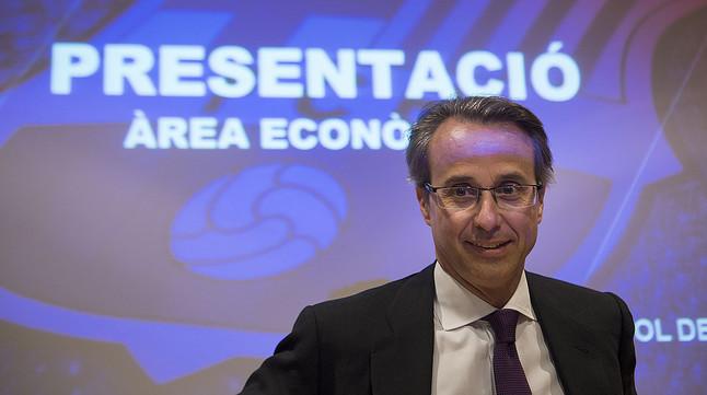 Javier Faus, en su etapa de vicepresidente económico del Barça, en la presentación del balance de la temporada 2013-2014.