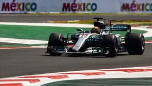 Hamilton sortirà tercer per buscar el seu quart títol mundial
