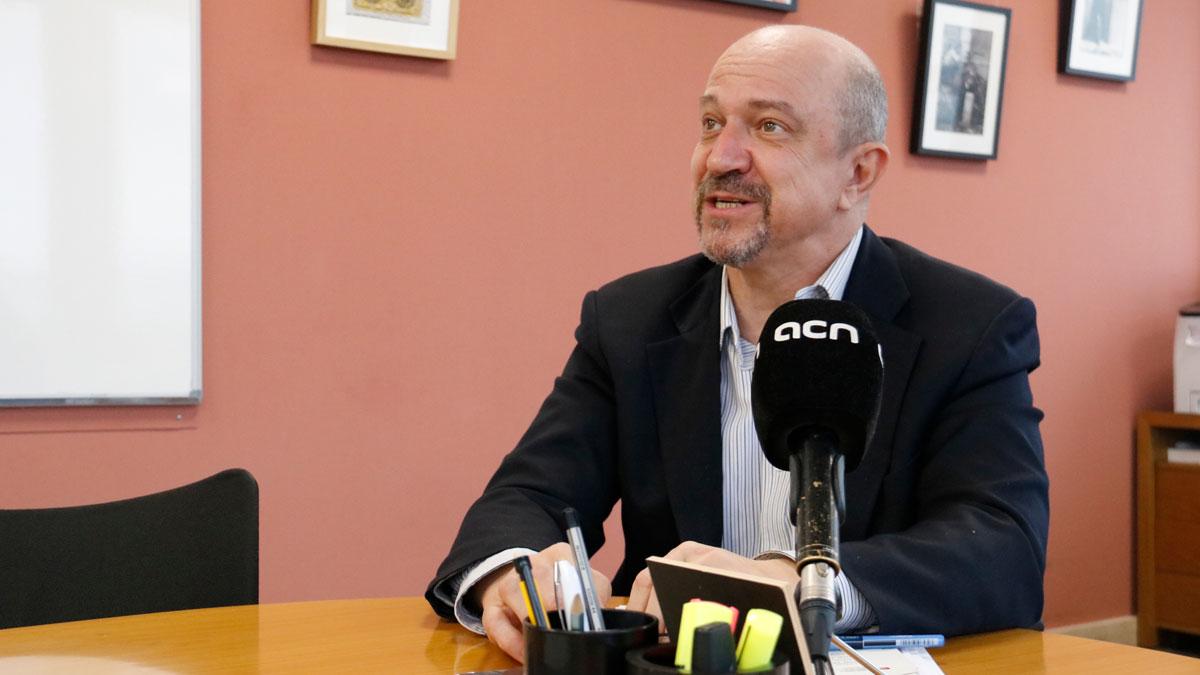 Jordi Ayala, del Ayuntamiento de Barcelona, explica las devoluciones relacionadas con el impuesto de plusvalía.