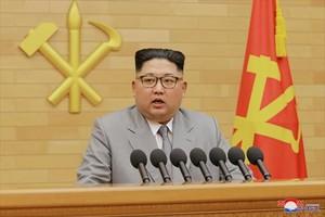 Kim Jong-un, durante la alocución dirigida ayer a los norcoreanos, que la televisión nacional emitió en bucle todo el día.