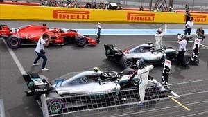 Lewis Hamilton se lleva la pole en el GP de Francia