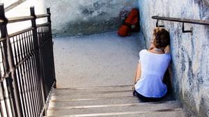 Imagen de recurso de una joven deprimida.