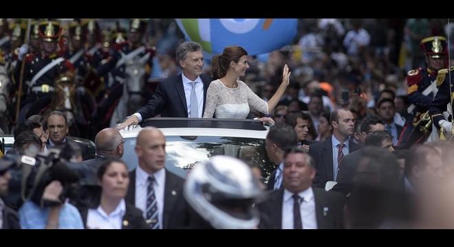 Macri toma posesión y llama a los argentinos a trabajar juntos por la prosperidad