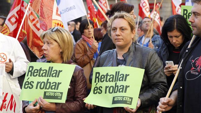 Los empleados públicos de la Generalitat se plantan ante el 'president'