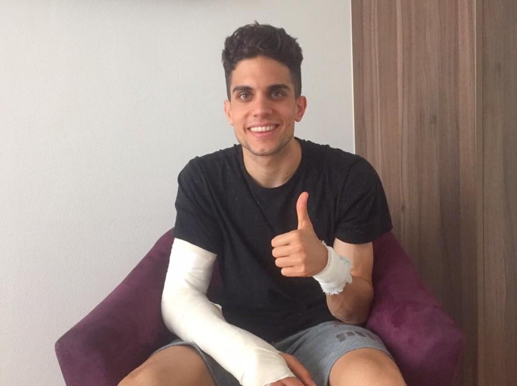 Marc Bartra muestra las heridas tras el atentado sufrido.