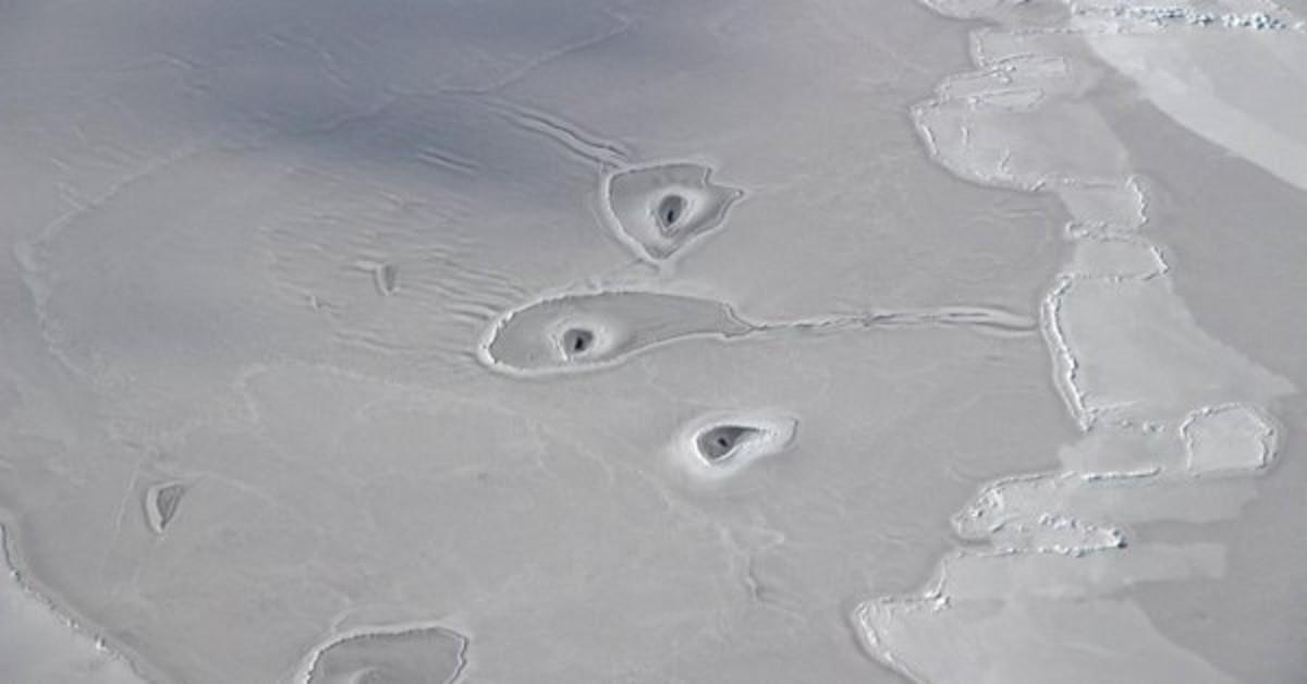La NASA detecta misteriosos forats mai vistos a l'Àrtic